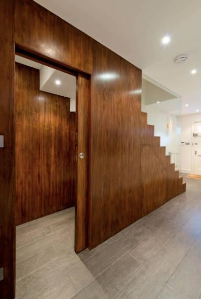 scale-su-misura-legno-con-cabina-armadio
